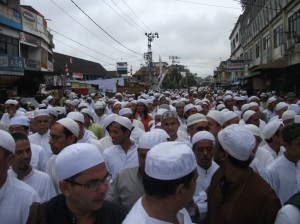 Puluhan Ribu Jama'ah berasal dari dalam dan luar negeri mengikuti ZIARAH KUBRO 2012 PALEMBANG DAARUSSALAM